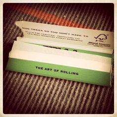 The Art of Rolling #w33daddict #RollingPaper #Blunts #Smoking #Rizla+ #OCB #Juicy