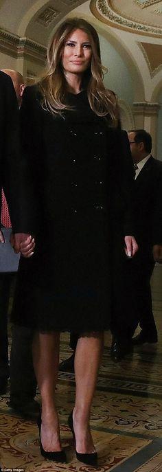Melania Trump dons a demure outfit for her visit to the White House Donald And Melania Trump, First Lady Melania Trump, Donald Trump, Beautiful One, Gorgeous Women, Melania Knauss Trump, Malania Trump, Black Christian Louboutin, Standing Poses