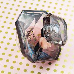 Découvrez le nouveau parfum La Nuit Trésor Caresse de Lancôme sur…