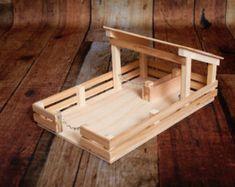 Handgemaakte houten speelgoed schuur met 4 boxen