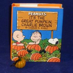 It's The Great Pumpkin Charlie Brown by Charles M. Schulz (Miniature Editions)