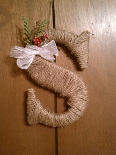 DIY Christmas Wreath!