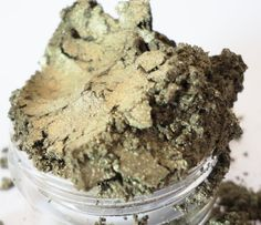 Vintage  Green Mineral EyeShadow 5g Sifter Jar by CRUSHCOSMETICS, $7,00