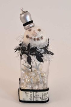 Making Holiday Snowmen! Some adorable details on these