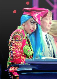 Lady Gaga Versace in 2011 Lady Gaga Versace, Lady Gaga Joanne, Lady Gaga Pictures, New York, Little Monsters, Green Hair, American Singers, Record Producer, Business Women