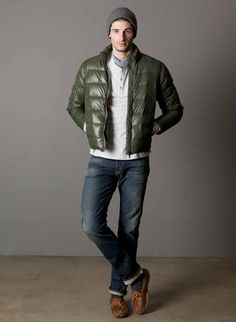 Puffy coats are this winter's fad. i think i'll pass on this one. Mens Fashion Summer Outfits, Mens Fashion Suits, Denim Fashion, Mens Fashion Sweaters, Mountain Style, Trench Coat Men, Mens Clothing Styles, Body, Leather Briefcase