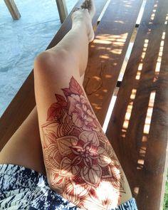 Henna,mehndi,leg
