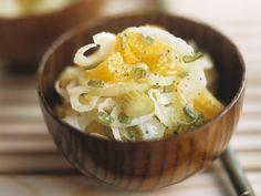 Fenchelsalat mit Orangen | Zeit: 25 Min. | http://eatsmarter.de/rezepte/fenchelsalat-mit-orangen