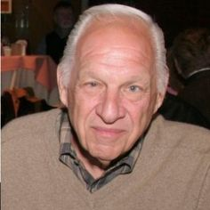 Jerry Heller Addresses Possibility That #SugeKnight Injected Eazy-E With AIDS http://hiphopdx.com/news/id.35235/title.jerry-heller-addresses-possibility-that-suge-knight-injected-eazy-e-with-aids?utm_content=buffer44521&utm_medium=social&utm_source=pinterest.com&utm_campaign=buffer via HipHopDX