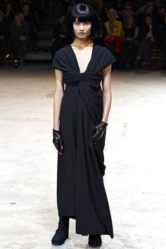 Yohji Yamamoto Fall/Winter 2013-2014 at Paris Fashion Week