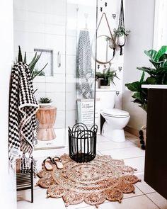 Bathroom Images, Bathroom Trends, Chic Bathrooms, Bathroom Rugs, Bathroom Interior, Small Bathroom, Bathroom Ideas, Bathroom Designs, Bathroom Plants