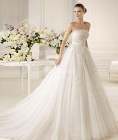 Mistela Glamour - La Sposa - www.bodas.net/vestidos-novias/la-sposa/mistela-glamour--v15562