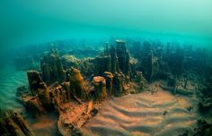 The remains of an ancient fortification have been discovered at the bottom of Turkey's largest lake. The underwater excavations were led by Van Yüzüncü Yıl University and the governorship of Turkey's eastern Bitlis Province. Underwater Photographer, Underwater Photos, Archaeological Discoveries, Valley Of The Kings, Fortification, Ancient Ruins, Ancient Civilizations, Archaeology, Egypt