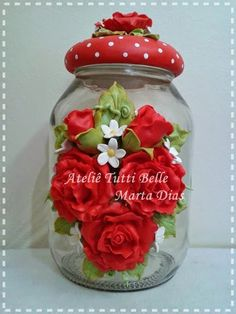 potes decorados massa sal - Pesquisa Google Jar Crafts, Bottle Crafts, Diy And Crafts, Polymer Clay Projects, Polymer Clay Creations, Clay Flowers, Paper Flowers, Clay Jar, Recycled Glass Bottles
