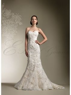 Lace Strapless Sweetheart trumpet Wedding Dress. Love Lace!