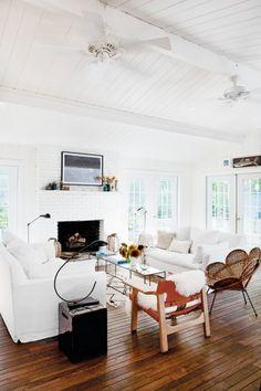 Hamptons Beach Home Decor— Living Room