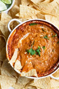 Refried Bean Dip [vegan & gluten free] This vegan refried bean dip is a crowd pleasing snack! It's super easy to make and needs just a few pantry friendly ingredients to come together. Vegan Apps, Vegan Foods, Vegan Snacks, Vegan Dishes, Vegan Refried Beans, Refried Bean Dip, Mexican Food Recipes, Whole Food Recipes, Vegetarian Recipes