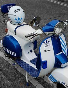Vespa/Adidas