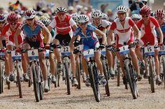 Você sabia? O Mountain Bike surgiu a partir da curiosidade e da ânsia por aventura dos norte-americanos, em 1970. Onde os ciclistas resolveram trocar o asfalto das estradas por trilhas e terrenos acidentados com suas bicicletas!! Foi a partir dessa curiosidade, que o Mountain Bike se tornou mais uma modalidade das olimpíadas e a paixão de vários ciclistas.  #mountainbike #esporte #aventuras #bike