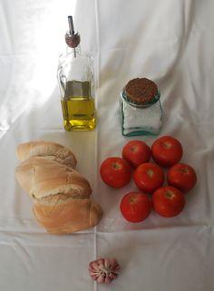 the ingredients of the Salmorejo's recipe
