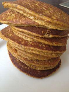 My prayers have been answered: Flourless Pumpkin Pancakes - Gluten-free, Dairy-free 21 Day Fix approved! 21 Day Fix Breakfast, Breakfast Recipes, Free Breakfast, Breakfast Ideas, Breakfast Cookies, Perfect Breakfast, Brunch Ideas, Dairy Free Pancakes, Tasty