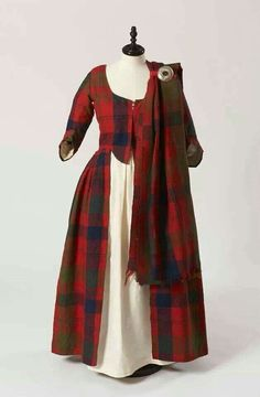 Isabella MacTavish's Wedding Dress ~ ~ Fraser clan tartan ~ Inverness Museum ~ The cloth itself is probably considerably older than the dress, and possibly dates to ~ Scotland ~ century Scottish costume. Scottish Costume, Scottish Dress, Scottish Fashion, Traditional Scottish Clothing, Scottish Women, 18th Century Clothing, 18th Century Fashion, 18th Century Dress, 16th Century