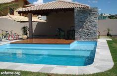 Resultado de imagem para quintal com piscina de fibra