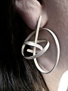 ute decker – sculptural earrings, eararchitectural rings, architectural jewellery, wearable sculptures, ear sculptures, jewellery by artists, statement jewellery, sustainable luxury, ethical jewellery, limited edition, art basel, masterpiece, pad, pavilion of art and design