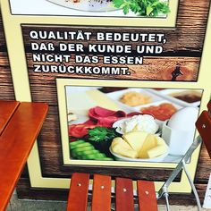 Qualitätskriterium. #berlin #kreuzberg #derkundeistkönig #quality #qualität #zufrieden #food #foodblogger #foodporn #foodlover #foodgram #lovefood #restaurant #berlinrestaurant #berlingram #berlinstagram #customerservice #berlincity #berlinfood