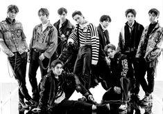 EXO# don't mess up my tempo chanyeol# kyungsoo kai lay xiumin Kris Wu, Luhan And Kris, Baekhyun, Park Chanyeol, Kpop Exo, Bias Kpop, Shinee, Exo Group Photo, Exo Album