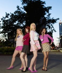 24 Halloween Costumes Inspired by Fave School Movies and Shows via Brit + Co….mean girls 24 Halloween-kostuums geïnspireerd door Fave School-films en shows via Brit + Co …. Halloween 2018, Mean Girls Halloween Costumes, Mean Girls Costume, Halloween Costumes For Girls, Girl Costumes, Costume Ideas, Zombie Costumes, Halloween Couples, Homemade Halloween