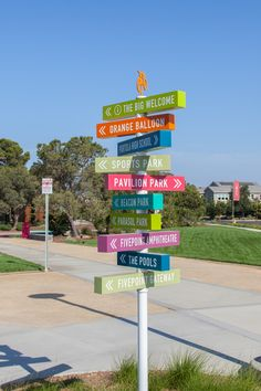 Placemaking and wayfinding system for Cadence Park in Irvine, California - Designed by RSM Design / Monument Wayfinding Signage Design for Cadence Park in the Irvine Great Pa - Park Signage, Directional Signage, Wayfinding Signage, Architecture Building Design, Landscape Architecture Drawing, Modern Architecture, Environmental Graphic Design, Environmental Graphics, Parking Design