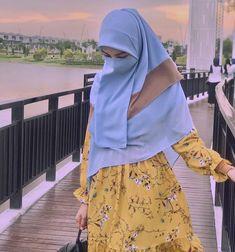 Niqab Fashion, Modest Fashion Hijab, Casual Hijab Outfit, Skirt Fashion, Fashion Outfits, Muslim Women Fashion, Korean Girl Fashion, Hijabi Girl, Girl Hijab
