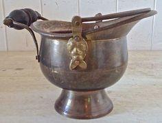 Antiquité Collection Ancien contenant à bec verseur, Cuivre-bois Lévis…