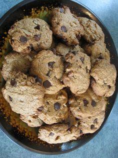 GLUTEN FREE ALMOND BUTTER CHOCOLATE CHIP COOKIES