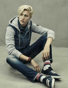 """:Lucky Blue Smith: """"Hey there, I'm Chance. I am 19 and single. Boone is my baby sis hurt her and your dead. I love soccor and modeling. Beautiful Boys, Pretty Boys, Marc Schulze, Lucky B Smith, Matthew Clavane, Pyper America Smith, Poses Photo, Lucky Blue, Blonde Guys"""
