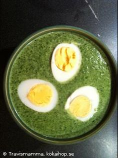 Quick Spinach soup with hard-boiled eggs - LCHF-Spenatsoppa med ägghalvor  --- Swedish recipe --- if you need translation give me a shout :0)