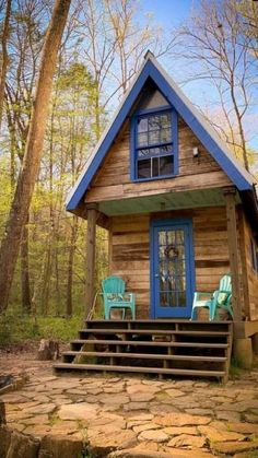 Tiny Cabins, Tiny House Cabin, Cabins And Cottages, Tiny House Living, Tiny House Plans, Little Cabin, Little Houses, Tiny Houses, Dream Home Design