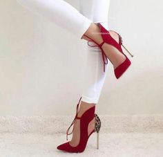 fashion, shoes, heels, high heels on We Heart It Fancy Shoes, Pretty Shoes, Crazy Shoes, Beautiful Shoes, Dream Shoes, Me Too Shoes, Zapatos Shoes, Shoes Heels, Red Heels