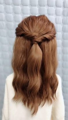 wedding makeup videos Click the hairstyle link to see more Girls with long hair are very suitable for covering up their hair, but we do nt tie our hair every day, so we just cover up our hair. In many cases, it is indecent. Long Braided Hairstyles, Cute Hairstyles For Medium Hair, Cute Simple Hairstyles, Diy Hairstyles, Pretty Hairstyles, Medium Hair Styles, Long Hair Styles, Hairstyles Videos, Braids For Medium Hair