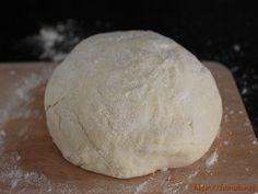 La Famohpâte boulanger est une pâte à pain avec de la pomme de terre intégrée, ce qui lui donne un moelleux incomparable!