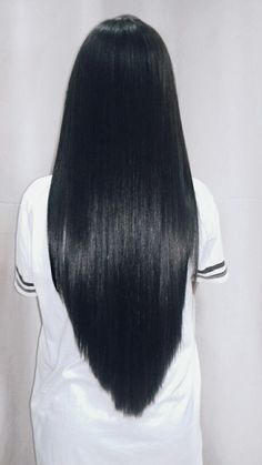 you looking for long black straight hairstyles? See our collection full of long black straight hairstyles and get inspired! Balayage Straight Hair, Natural Straight Hair, Natural Hair Styles, Long Hair Styles, Straight Wigs, Balayage Bob, Hairstyles With Bangs, Trendy Hairstyles, Straight Hairstyles