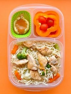 tangy teriyaki orange chicken with chopped veggies and noodles and a pumpkin tart | packed in #EasyLunchboxes