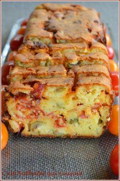 Cake olives vertes et chorizo Chorizo, Cake Aux Olives, Savory Pastry, Christmas Breakfast, Greek Recipes, Pound Cake, Flan, Carne, Holiday Recipes