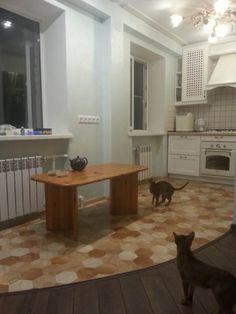 Белая кухня совмещенная с гостиной в хрущевке 5,6 кв.м. (до и после)