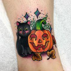 ❤️🎃 Thank you Nicole! Because Halloween forever! ❤️🎃 Thank you Nicole! Because Halloween forever! Dream Tattoos, Future Tattoos, Body Art Tattoos, Sleeve Tattoos, Cool Tattoos, Tatoos, Tattoos Lindas, Pumpkin Tattoo, Spooky Tattoos