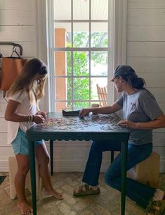 """We have a serious puzzle competition going on over here Magnolia Farms, Magnolia Market, Magnolia Homes, Joanna Gaines Family, Chip And Joanna Gaines, Chip Gaines, Chip And Joanna Kids, Joanne Gaines, Magnolia Journal"