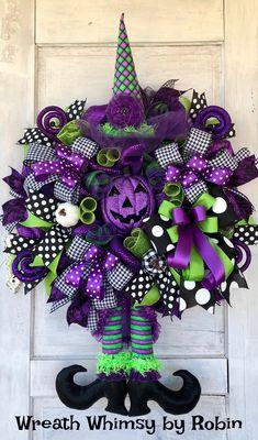 Halloween Mesh Wreaths, Homemade Halloween Decorations, Homemade Wreaths, Deco Mesh Wreaths, Holiday Wreaths, Holiday Fun, Ribbon Wreath Tutorial, Diy Wreath, Wreath Ideas