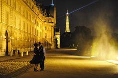 Un baiser à Paris, c'est aujourd'hui ou jamais... (photo par Jean-Michel Volat, 06/2011)