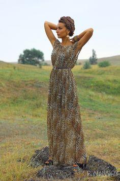 the queen of the field Mango Earrings, Turban, Fashion Bracelets, Fields, Personal Style, Stylists, Queen, My Style, Dresses